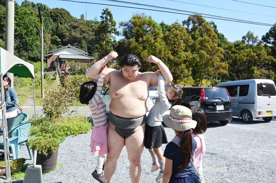 どすこい!!お相撲ちゃんこ2016 inつまんでご卵直売店「にぎやかな春」
